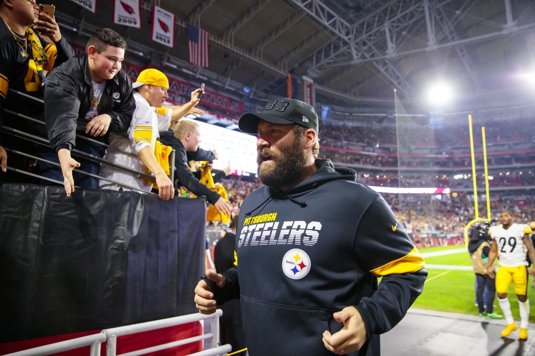 Dec 8, 2019; Glendale, AZ, USA; Pittsburgh Steelers injured quarterback Ben Roethlisberger against the Arizona Cardinals at State Farm Stadium. Mandatory Credit: Mark J. Rebilas-USA TODAY Sports