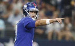 Oct 10, 2021; Arlington, Texas, USA; New York Giants quarterback Daniel Jones (8) calls a play in the first quarter against the Dallas Cowboys at AT&T Stadium. Mandatory Credit: Tim Heitman-USA TODAY Sports